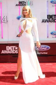 paris-hilton-2014-bet-awards-red-carpet-look-angle-1__iphone_640